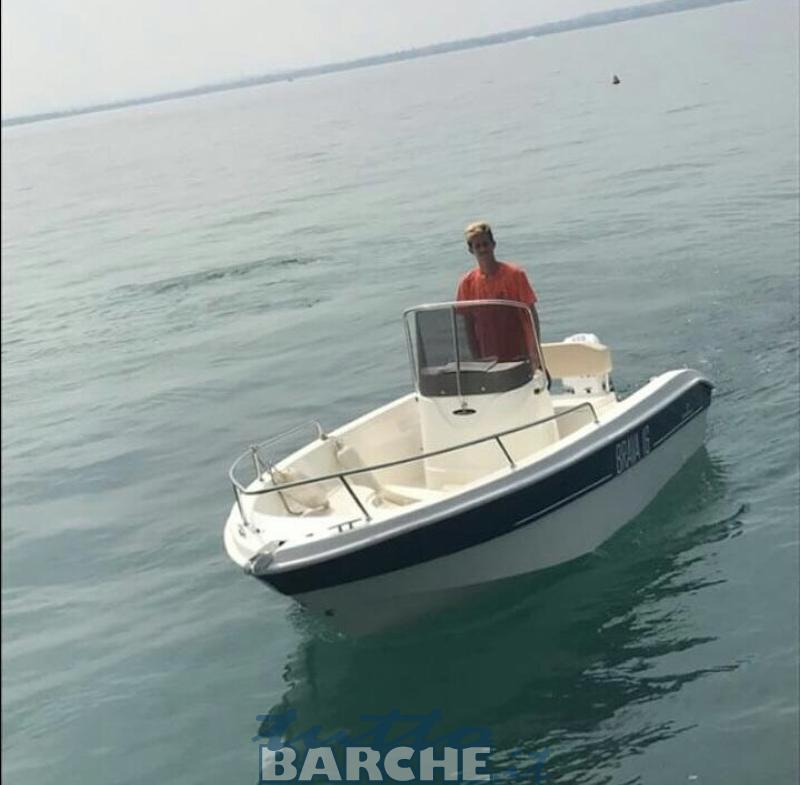 Rent noleggio mingolla 16 brava senza patente sul lago di for Noleggio di cabine per lago