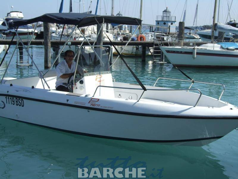 Noleggio rent easy tai 19 senza patente sul lago di garda for Noleggio di cabine per lago