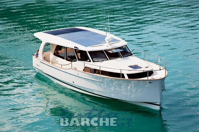Greenline greenline 33 nuova hybrid boat 1392 id 3 for Green boat and motor