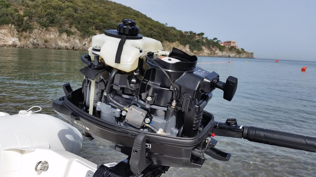 NEW 4, 5 AND 6 HP SUZUKI OUTBOARD MOTORS. A COMPLETELY DIFFERENT EXPERIENCE