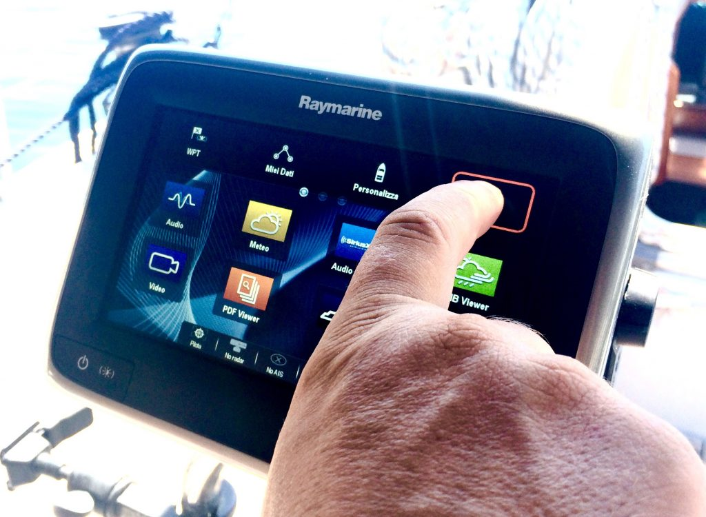 RAYMARINE AUTOPILOT AND LIGHTHOUSE II
