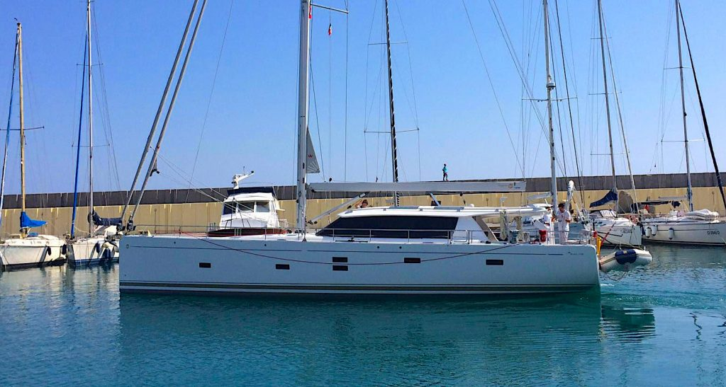 Boat stolen at the Marina degli Aregai. Help us find her.