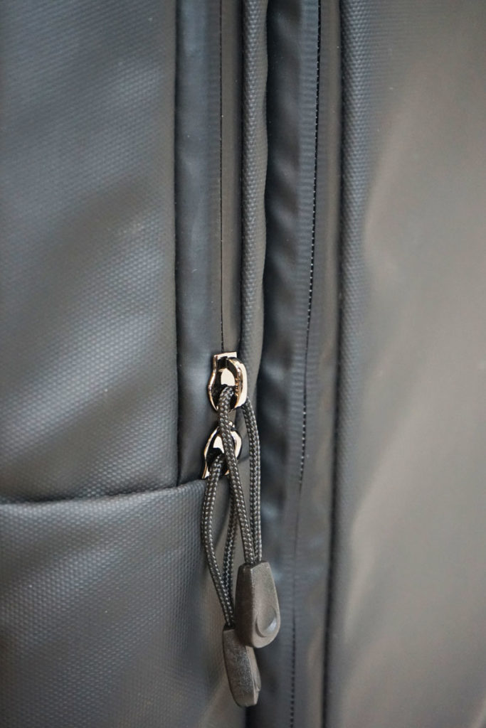 Noomi Yachting waterproof zip