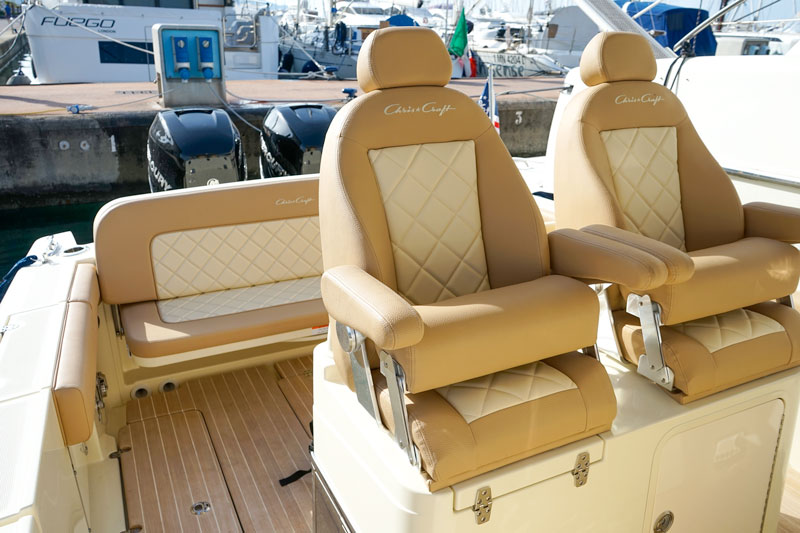 Chris Craft Catalina 30 pilot chairs