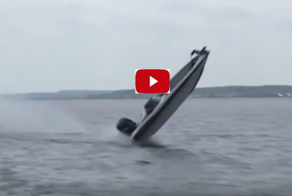 A boat crashes into waves at full throttle, what a hit! The