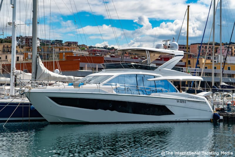 Absolute 62 Fly, berth