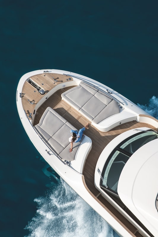 Monte Carlo Yachts MCY 66, fore sundeck