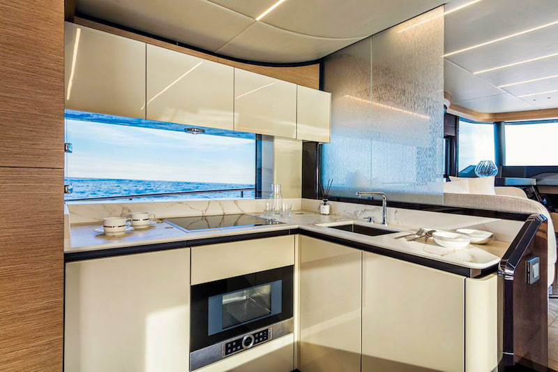 Absolute Navetta 58, galley