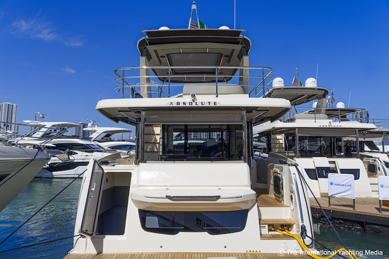 Absolute Yachts Navetta52, stern