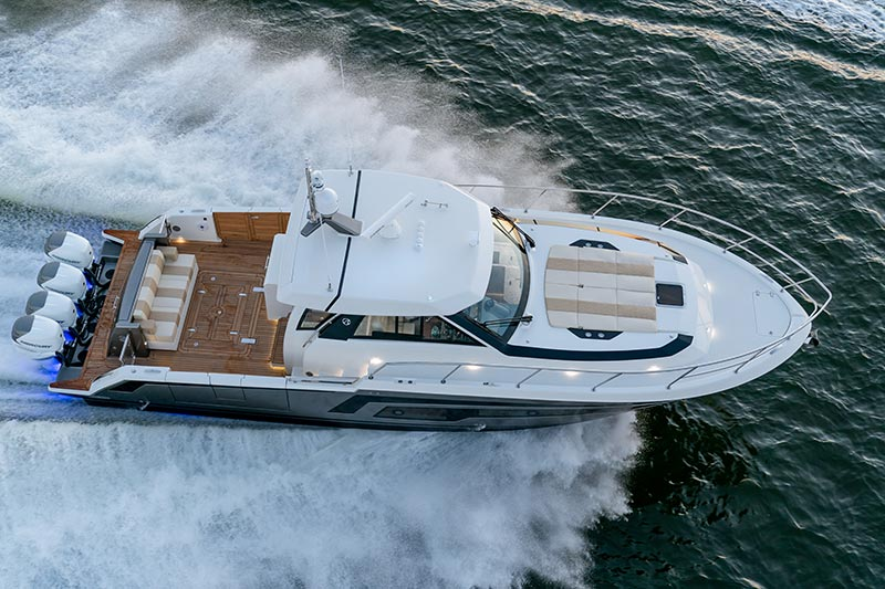 Ocean Alexander Divergence 45 Coupe, drone