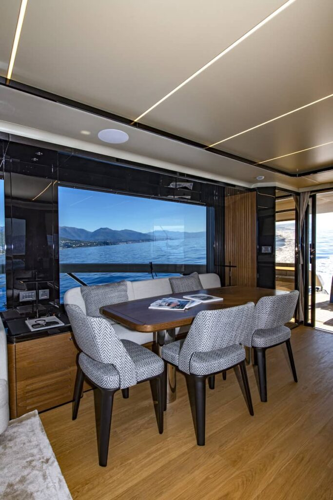 Absolute Navetta 64 dining table interiors
