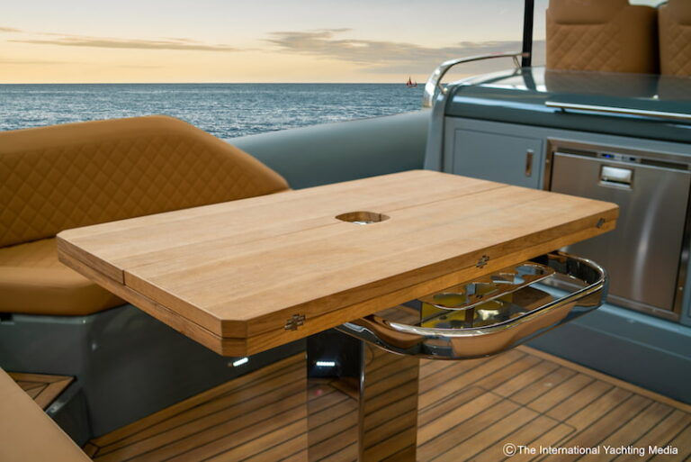 Prince-50-stern-table