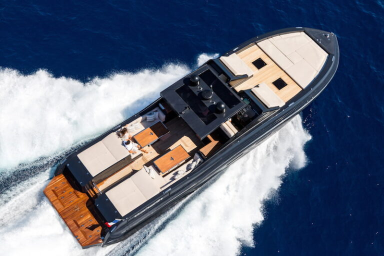 Superocean 58 deck