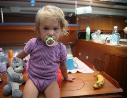 Sailing with kids? 7 golden rules for a safe experience
